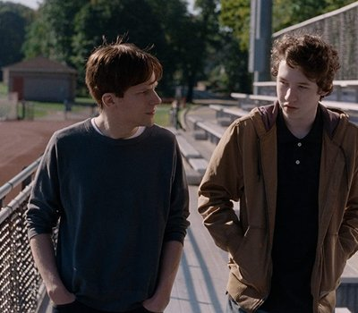 Louder Than Bombs online