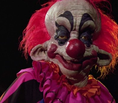 Killer Klowns from Outer Space online