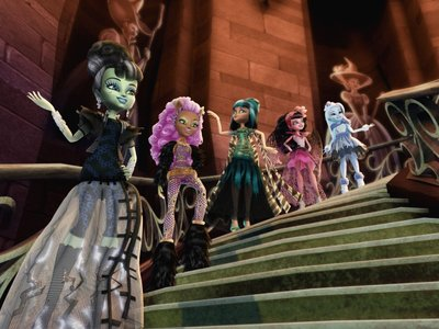 watch Monster High: Ghouls Rule streaming