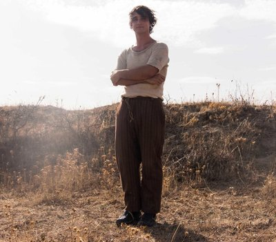 Happy as Lazzaro online