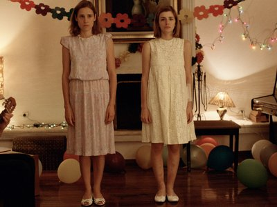 watch Dogtooth streaming