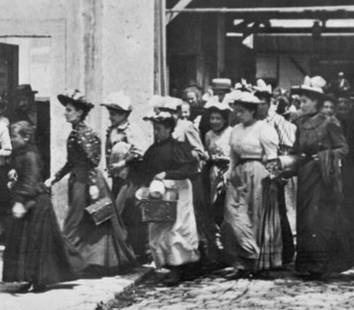 Workers Leaving the Lumière Factory online