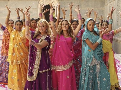 watch The Cheetah Girls: One World streaming
