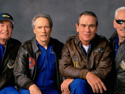 watch Space Cowboys streaming