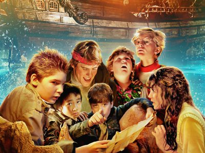 watch The Goonies streaming