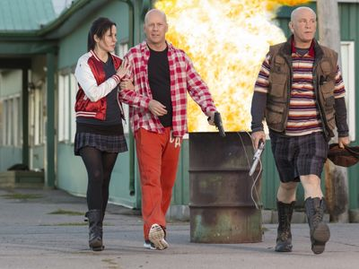 watch RED 2 streaming