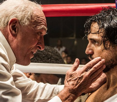 Hands of Stone online