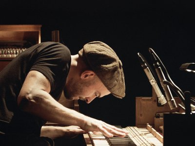 watch Tripping with Nils Frahm streaming
