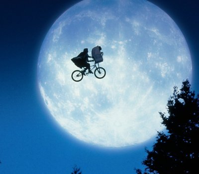E.T. the Extra-Terrestrial online