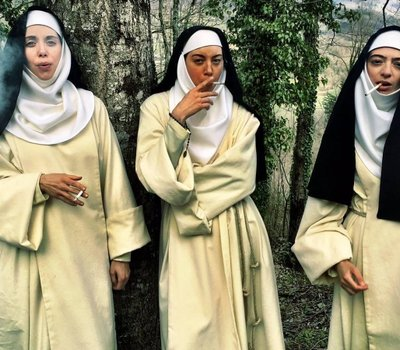 The Little Hours online
