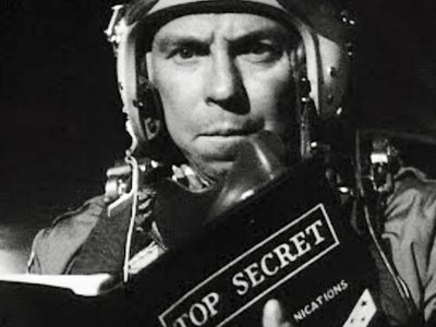 watch Dr. Strangelove or: How I Learned to Stop Worrying and Love the Bomb streaming