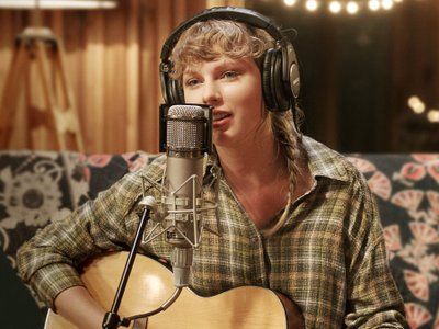 watch Folklore: The Long Pond Studio Sessions streaming