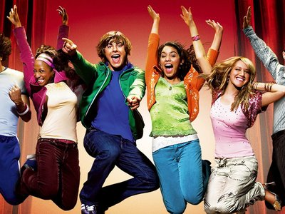 watch High School Musical streaming
