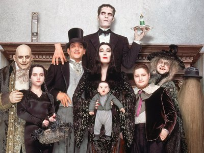 watch Addams Family Values streaming