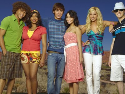 watch High School Musical 2 streaming